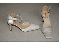 Bridal Shoes - size 4 in ivory satin