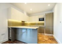 SW18 1GX - A LUXURY 2 BED 2 BATH APARTMENT IN BATTERSEA WITH PRIVATE BALCONY - VIEW NOW
