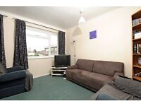 GARRATT - A well-presented and neutrally decorated two double bedroom purpose built flat to rent