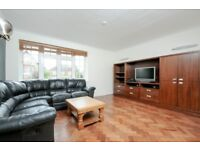 SPACIOUS TWO BED FLAT ON POPULAR GRANGE ROAD MINUTES FROM EALING BROADWAY STATION FOR £1500 PCM