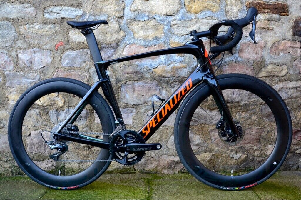 8d925b03bcf COST £6700. 2018 SPECIALIZED VENGE VIAS PRO DISC AERO CARBON ROAD BIKE.  CHAMELEON COLOUR. DURA-ACE
