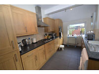 Large than average 2 bedroom family house in Eltham