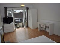 Extra-large double bedroom available in a private gated flat near Bermondsey Street