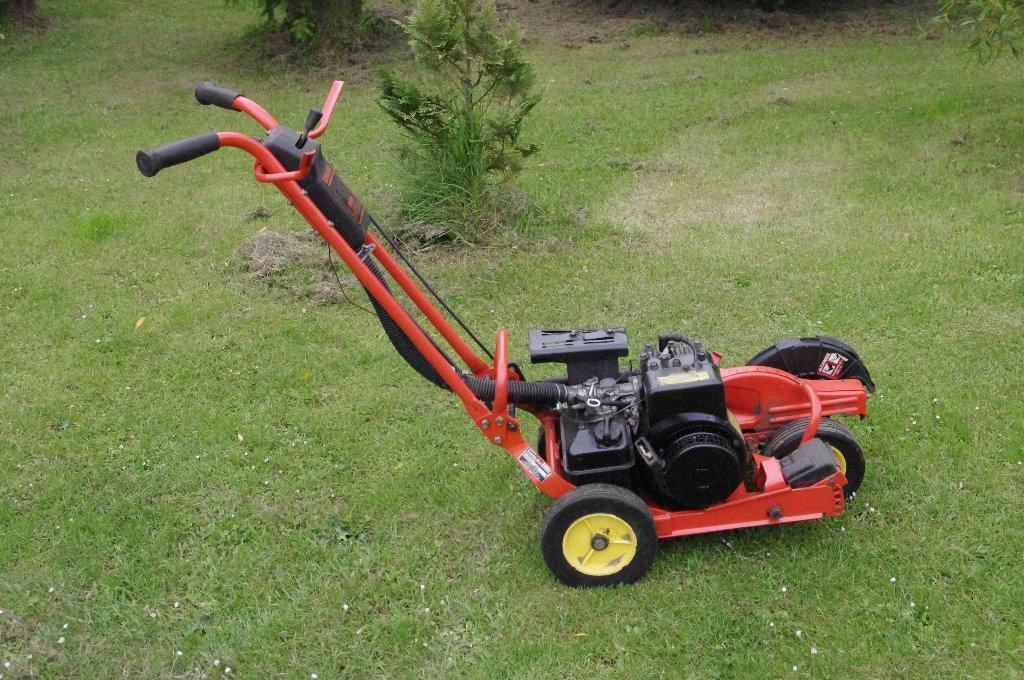 Used Kawasaki Lawn Edger Same As John Deere E35