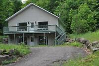 Maison sur le bord du Lac du Coeur, St-Adolphe