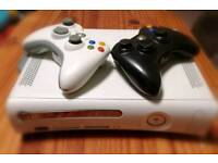 Xbox 360 + 2controllers + 2games