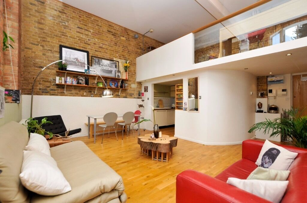 Fantastic open-plan loft-style apartment with mezzanine and ...