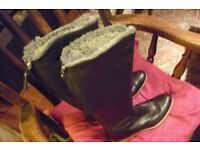 C-Doux Ladies Boots - Black. Beautiful leather with crepe sole. Size 39 (6)