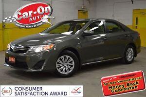 2014 Toyota Camry LE ONLY 33,000 KMS A/C BACKUP CAM HEATED SEATS