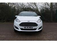 FORD FIESTA ZETEC (frozen white) 2015