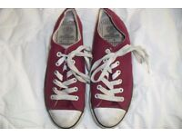 "SIZE 4 PAIR LADIES RED LACE UP PUMPS MAKE ""DUNLOP"" HARDLY BEEN WORN"