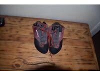 Climbing Shoes -Scarpa - Size 8
