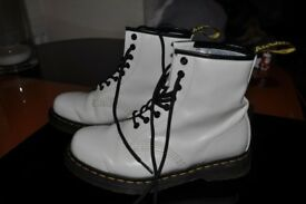 White doctor martin boots worn once size 6