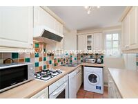**High Standards 3 BEDS FLAT in Zone 1 with period features and plenty of character.