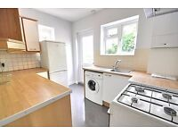 Two Bed Flat - Isleworth/Osterley - Gillette Corner! Newly Renovated.