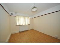 Spacious 2 bedroom ground floor flat in Breamore Court, Goodmayes, Dss welcome