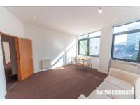 2 bedroom flat in Cambridge Road, Barking, IG11