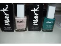 BRAND NEW IN BOX'S 2 BOTTLES OF NAIL VARNISH PALE PINK + GREEN