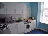 2-bedroom in West End, close to Glasgow University, Train/Subway Station to Strathclyde University
