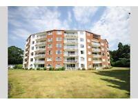 3 bedroom flat in Branksome Park, BH13