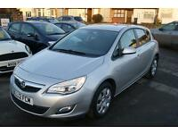 Vauxhall Astra Exclusiv 5dr (silver) 2012