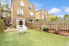 A FANTASTIC TWO DOUBLE BEDROOM FLAT WITH FABULOUS GARDEN ON LAVENDER GARDENS