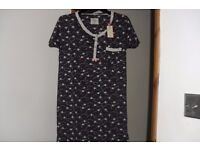 NEW WITH TAGS SIZE 6/8 BLACK/WHITE PRINT NIGHTIE