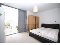 VERY BRIGHT & SPACIOUS MODERN 2 BED HOUSE- SPLIT LEVEL- PRIVATE GARDEN- FLOOR TO CEILING WINDOWS