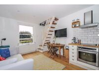 A one bedroom split level apartment available to rent in Kingston. Richmond Road.