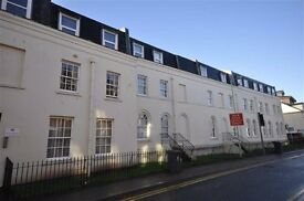 MODERN TWO DOUBLE BEDROOM GROUND FLOOR CITY CENTRE APPT. WALKING DISTANCE TO QUAYS. INC. PARKING
