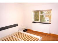 LOOK AT THIS! STUDIO FLAT IN UB10 INCLUDING ALL BILLS FOR JUST £820 PERFECT LOCATION!