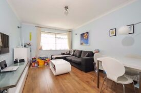 A spacious and well presented ground floor flat to rent within this well situated development