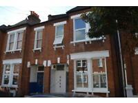 3 bedroom flat in Glasford Street, Tooting