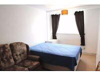 52D 3 Double Rooms in Queen's Park