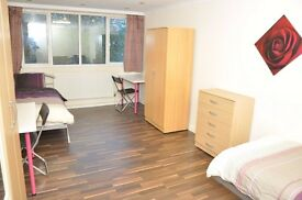 J* SPACIOUS TWIN ROOM* BAKER STREET* COSY PROPERTY