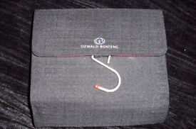 NEW BLACK TOILETRIES BAG WITH HOOK TO HANG UP