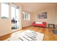 BRIGHT & SPACIOUS! Two double bedroom split level apartment available to rent in Chiswick! £1525PCM