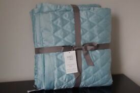 *** M&S Duck Egg Diamond Quilted Throw/Bed Cover 150cm x 200cm - Single Bed ***