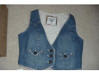 SIZE 14 DENIM FLEECE LINING WAISTCOAT FASTENS WITH 3 BUTTONS WITH 2 FRONT POCKETS