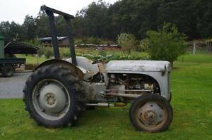 Tractor Massey Ferguson Grey Fergie TE20 Huonville Huon Valley Preview