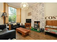 3 bed house offered on a short let in Palatine Road