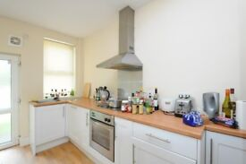 STUDENT PROPERTY -TWO BEDROOMS AVAILABLE- £75 PP PW - 50 WEEK LEASE!