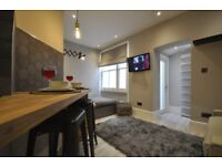 Marvellous luxury flat with private patio and all inclusive bills in Notting Hill. Ref: NH25LGB3