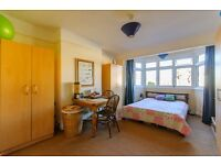 Choice of double & single rooms in well-kept house (inc bills)