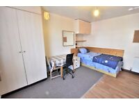 Single Room with its own kitchenette. Bills included except electricity. N1 Islington,Hackney,N16,E8