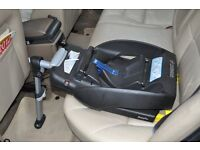 Maxi-Cosi Cabriofix child car seat with Easyfix Base suitable for child 0-12months, 0-13kg.