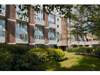 4 bedroom flat in Star Road, West Kensington, W14