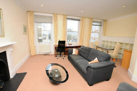 A fabulous apartment in a wonderful location just off the Gloucester rd. Two bedrooms (one en suite)