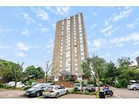 Bright spacious 2 bed flat in a secure gated development with concierge. Eagle Heights, SW11