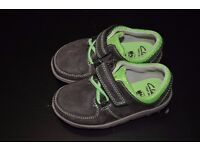 Toddler baby boy Clarks shoes size 4 1/2 brown autumn 4.5 F infant